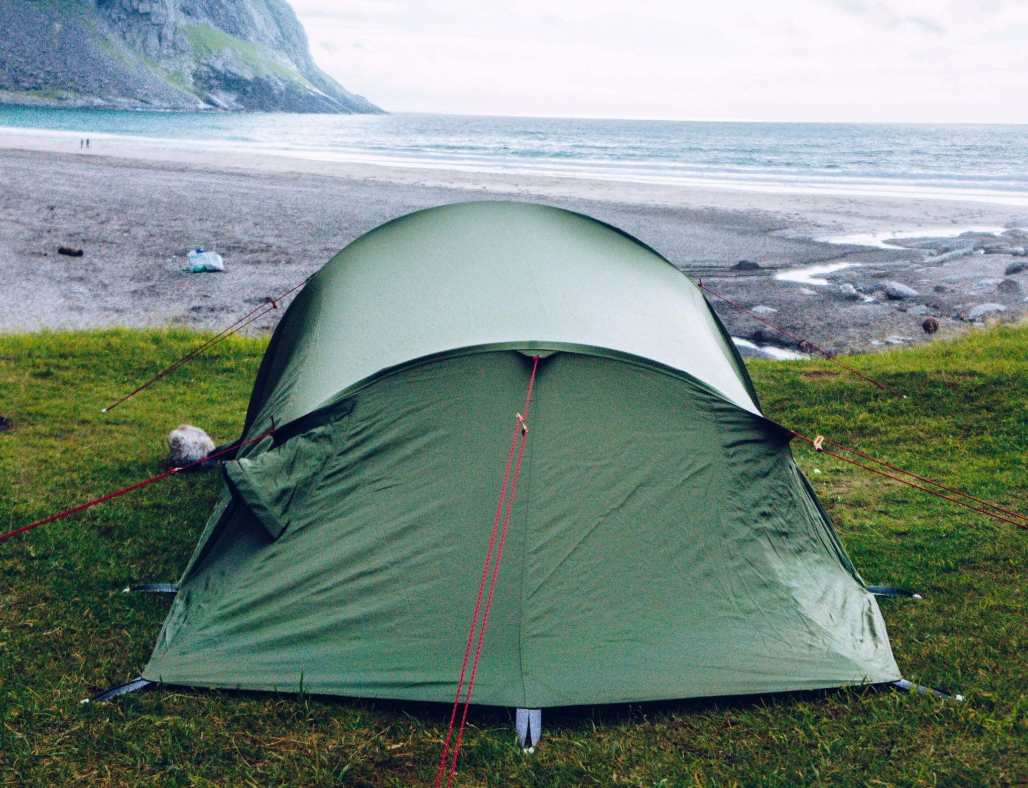 Top Tips And Tricks For Camping On The Beach 1